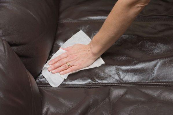 Vệ sinh ghế sofa da cần chú ý điều gì?